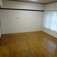 床と壁を貼り替え