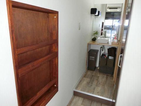 壁埋め込み収納 本棚ラックサムネイル