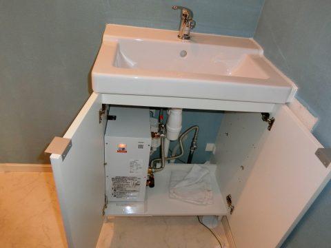 洗面台交換 電気温水器取付け 磯子区サムネイル